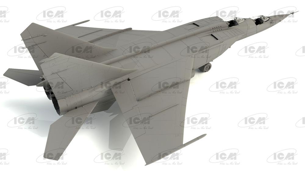 MiG-25RU 複座偵察機プラモデル(ICM1/72 エアクラフト プラモデルNo.72176)商品画像_1