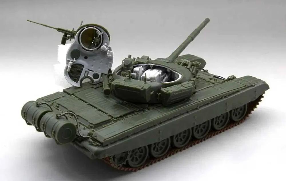 ロシア陸軍 戦車 T-72M フルインテリアプラモデル(アミュージングホビー1/35 ミリタリーNo.35A038)商品画像_2
