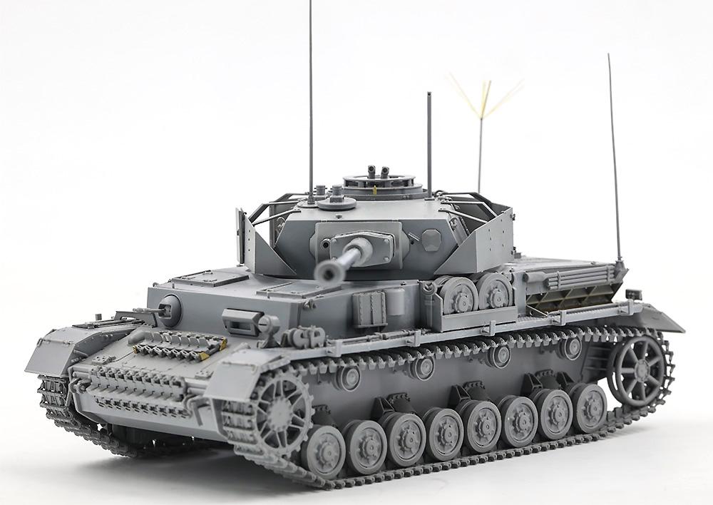 ドイツ Pz.Beob.Wg. 4号戦車J型 砲兵観測車 w/戦車長&兵士プラモデル(ボーダーモデル1/35 ミリタリーNo.BT-006)商品画像_1