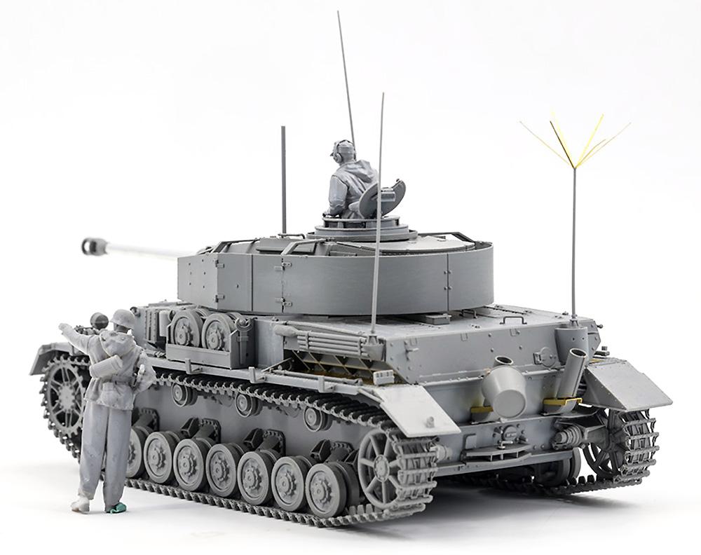 ドイツ Pz.Beob.Wg. 4号戦車J型 砲兵観測車 w/戦車長&兵士プラモデル(ボーダーモデル1/35 ミリタリーNo.BT-006)商品画像_2