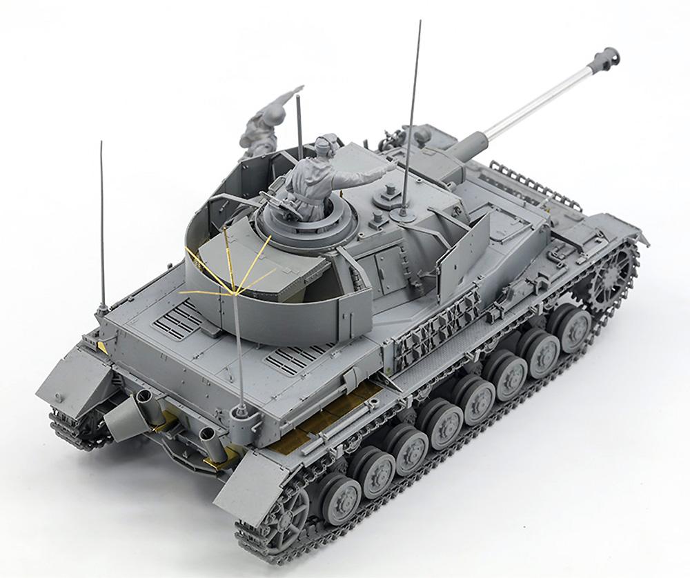ドイツ Pz.Beob.Wg. 4号戦車J型 砲兵観測車 w/戦車長&兵士プラモデル(ボーダーモデル1/35 ミリタリーNo.BT-006)商品画像_3