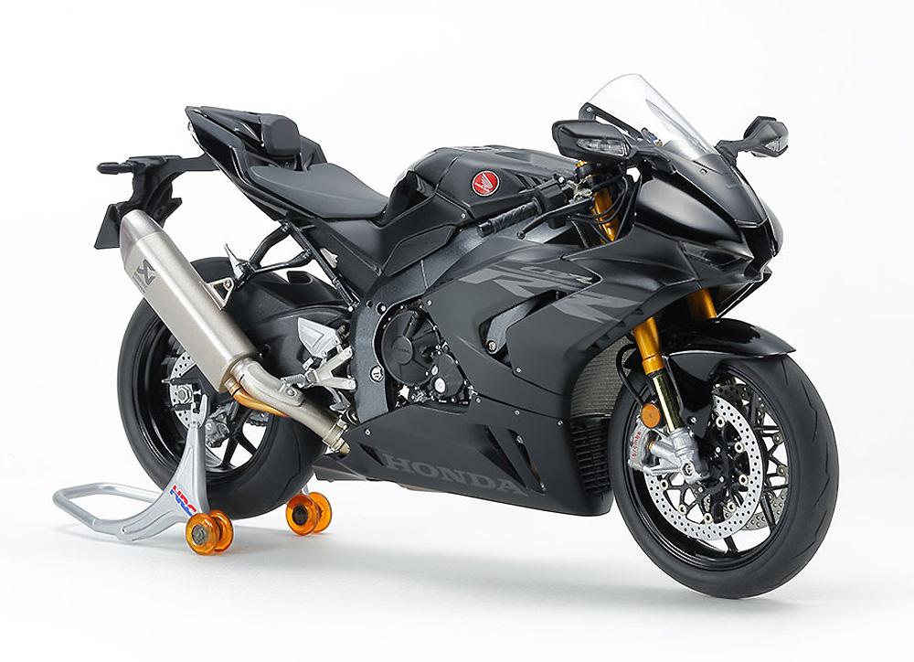 ホンダ CBR1000RR-R FIREBLADE SP ブラック 完成品(タミヤマスターワーク コレクションNo.21171)商品画像_1